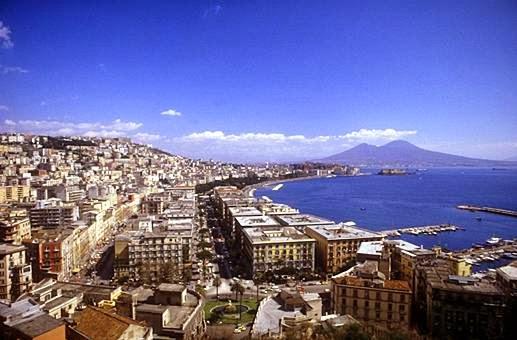 Panorámica de Nápoles, Italia