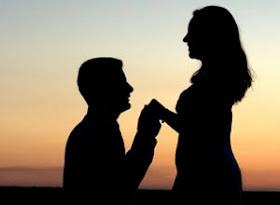 10 Cara Romantis Melamar Kekasih Ala Selebriti