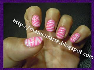 Manicura cebra rosa y blanco