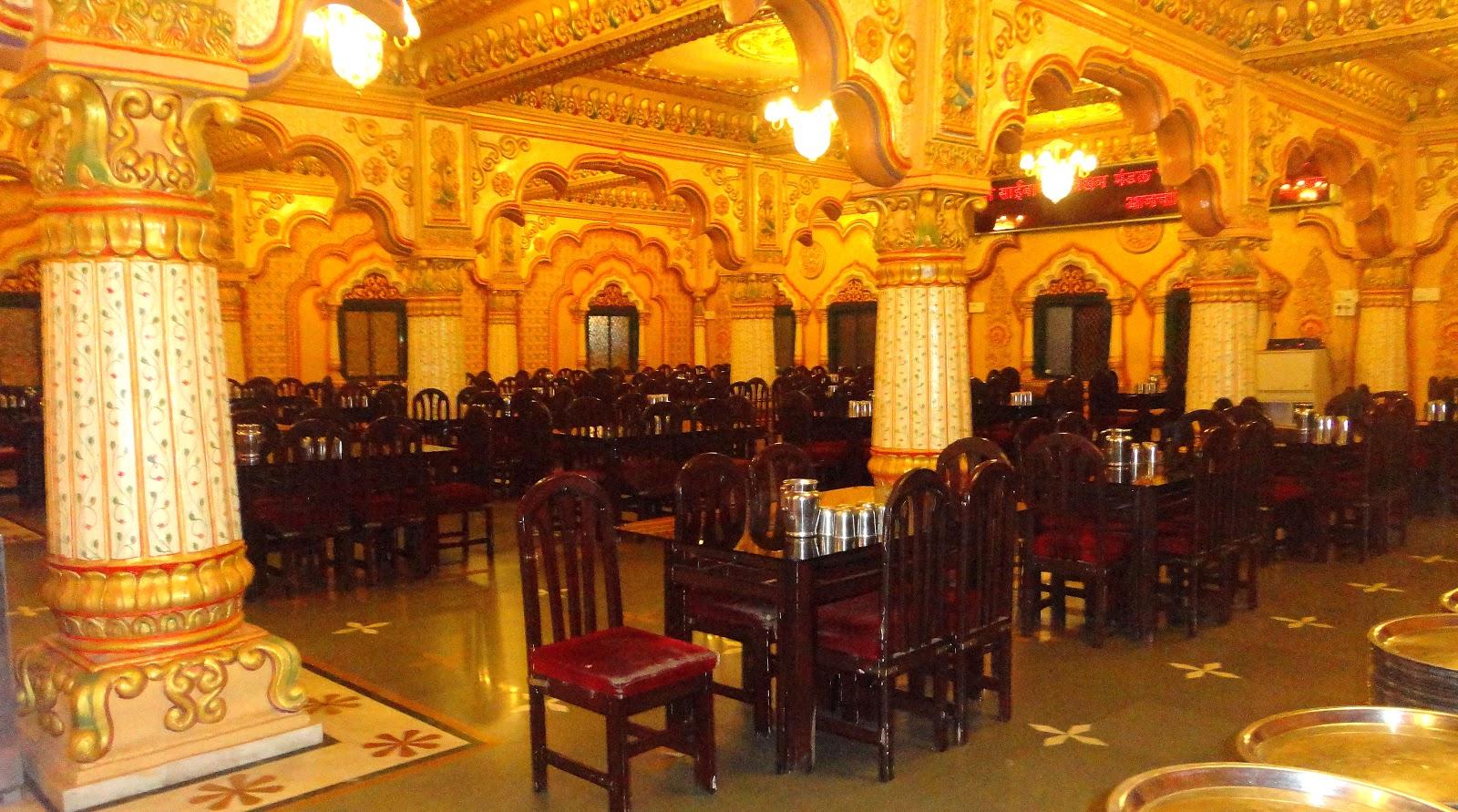 pictures of prati shirdi sai baba temple at shirgaon. Black Bedroom Furniture Sets. Home Design Ideas