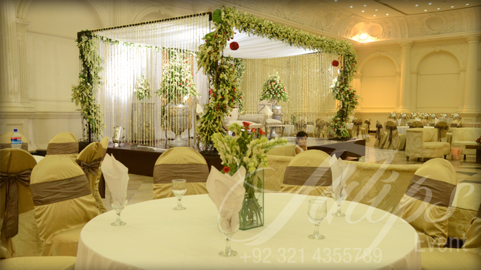 Wedding and brides beautiful pakistani wedding stage for Indoor stage decoration