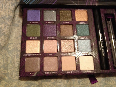 Urban Decay, Urban Decay Book Of Shadows IV, makeup palette, holiday gift guide, holiday gifts, eyeshadow, eye shadow