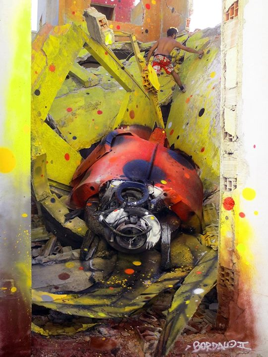 14-Ladybug-Sculptor-Bordalo-Segundo-II-Sculpture-Urban-Camouflage-in-Upcycling-Rubbish-www-designstack-co