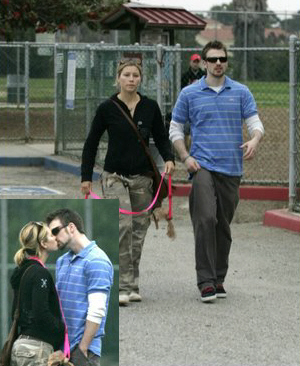 hollywood chris evans with his girlfriend in 2012