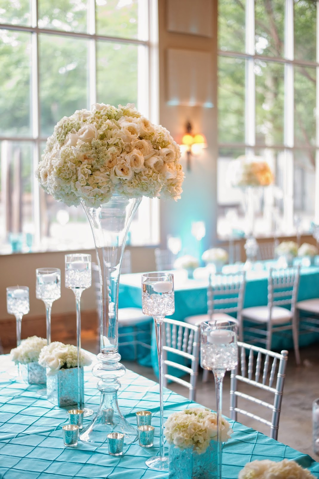 Turquoise And White Wedding Decorations Four Ways To Create Wedding Flowers With Wow Factor Wedding