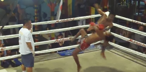 A luta mais de muay thai mais violenta do mundo