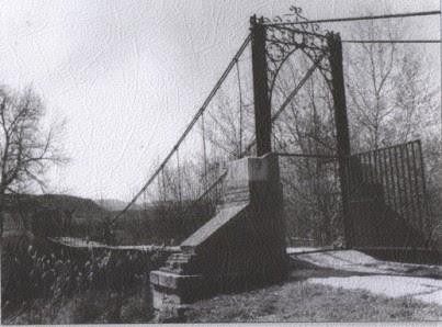 Puente Colgao B/N