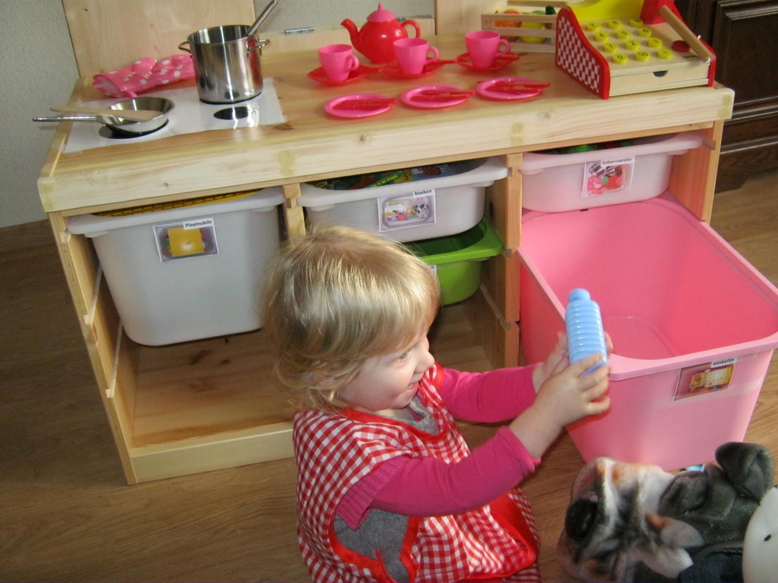 Ikea Speelgoed Keuken Tweedehands : ons cadeau een zelfgemaakt ikea hack keukentje winkeltje poppenkast