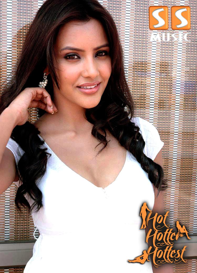 Pooja Kumar in Hot Hotter Hottest ~ SS Music