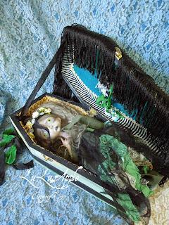 Camila the green lady Coffin Art Doll Lulus Apple