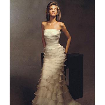 Model beauty spanish wedding dress designers for Wedding dresses spanish designer