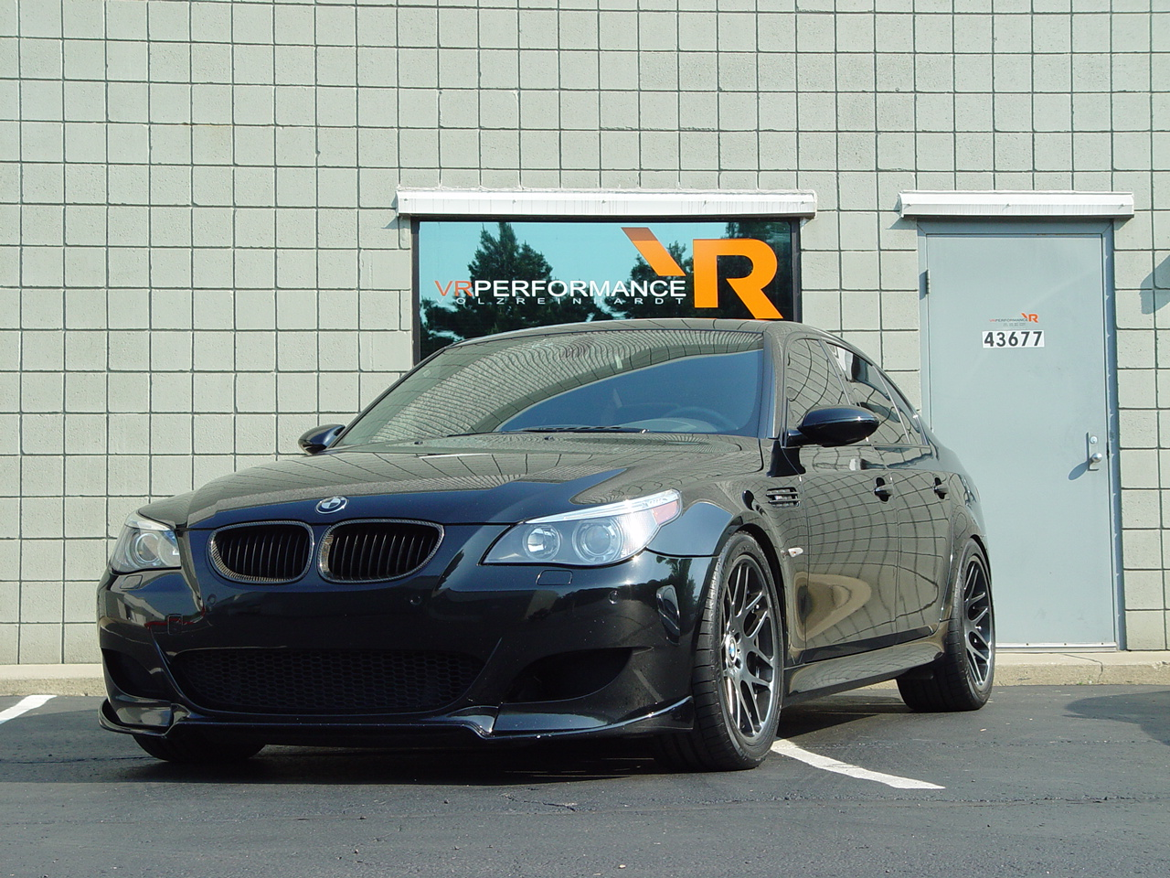 http://1.bp.blogspot.com/-Xj0cU1xQx-w/Tjrknam-sMI/AAAAAAAAARo/XR7Wn23F13g/s1600/12396-2006-BMW-M5.jpg