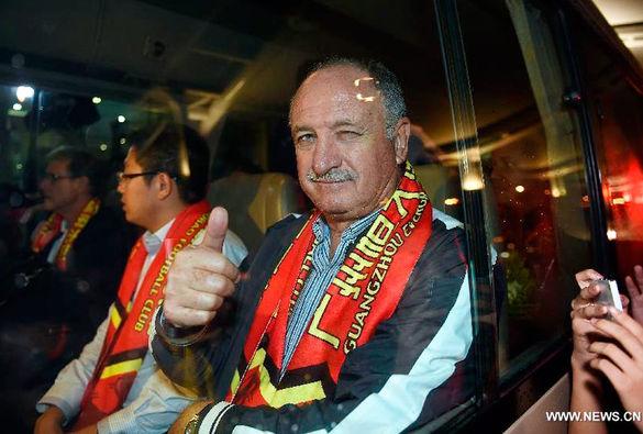 Felipão continua invicto pelo Guangzhou da China.