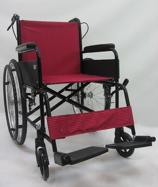 Kerusi roda aluminium 鋁製轮椅 Aluminium wheelchair