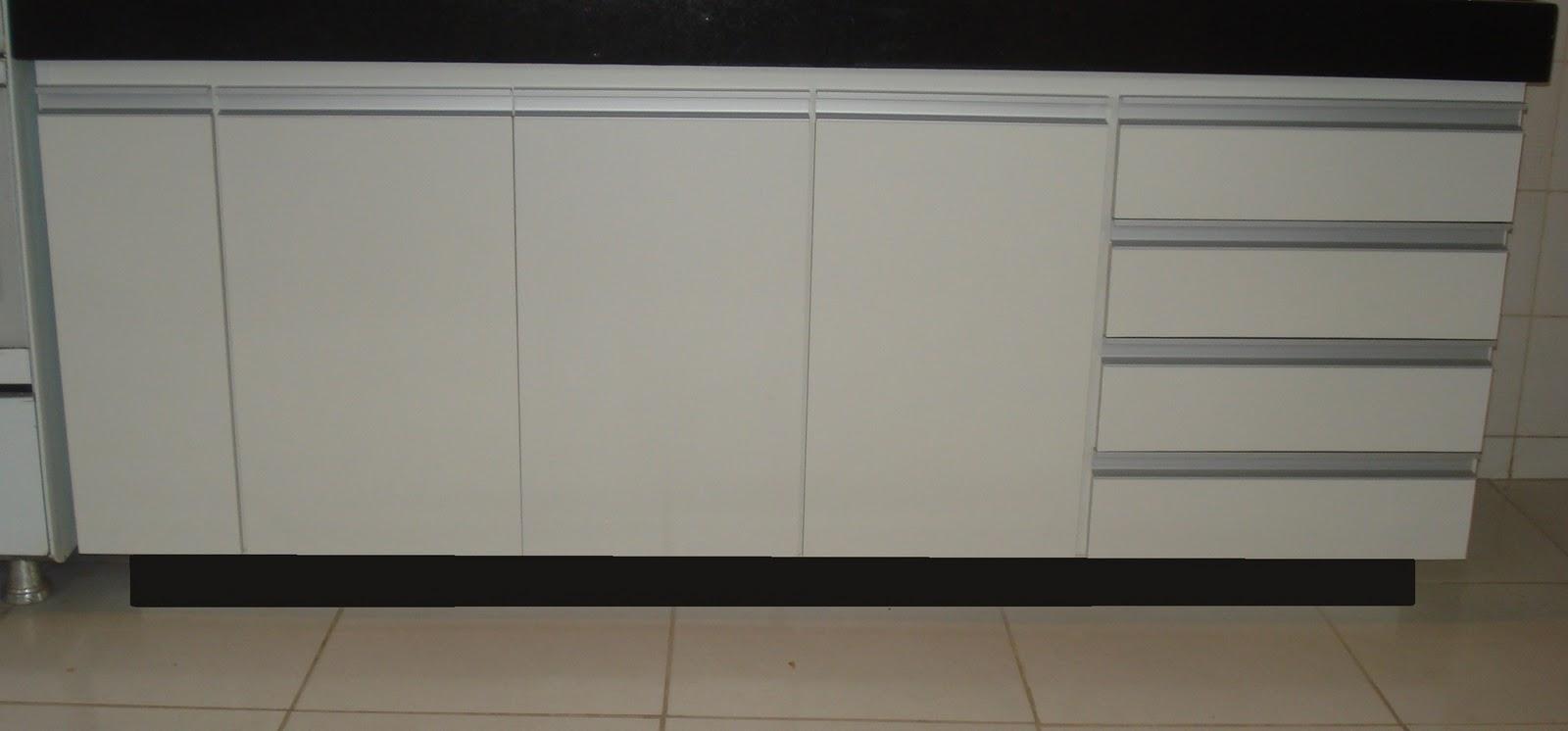 Lopes arm rios planejados fechamento de pia de cozinha branco com puxadores em perfil de alum nio - Perfiles de aluminio para armarios ...