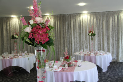 Tall Wedding Flower Vases on Flower Design Table Centrepieces  Tall Glass Conical Vases With Rose