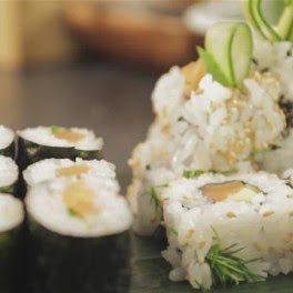 sushi con alga nori