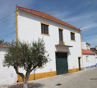 Asunto kuin kulissi? (Obidos, Portugali, elokuu 2011)