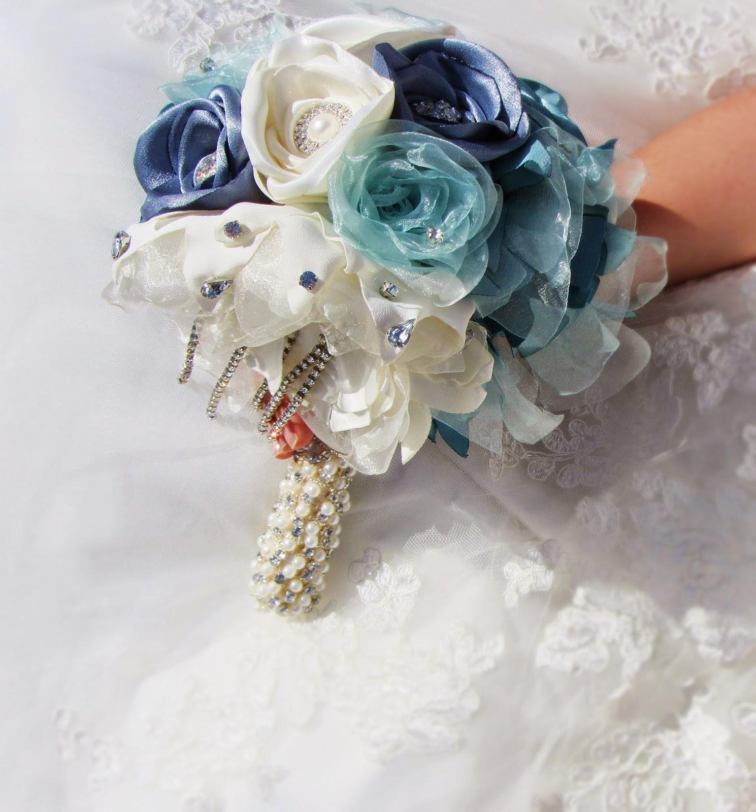 bouquet de tecido em cascata