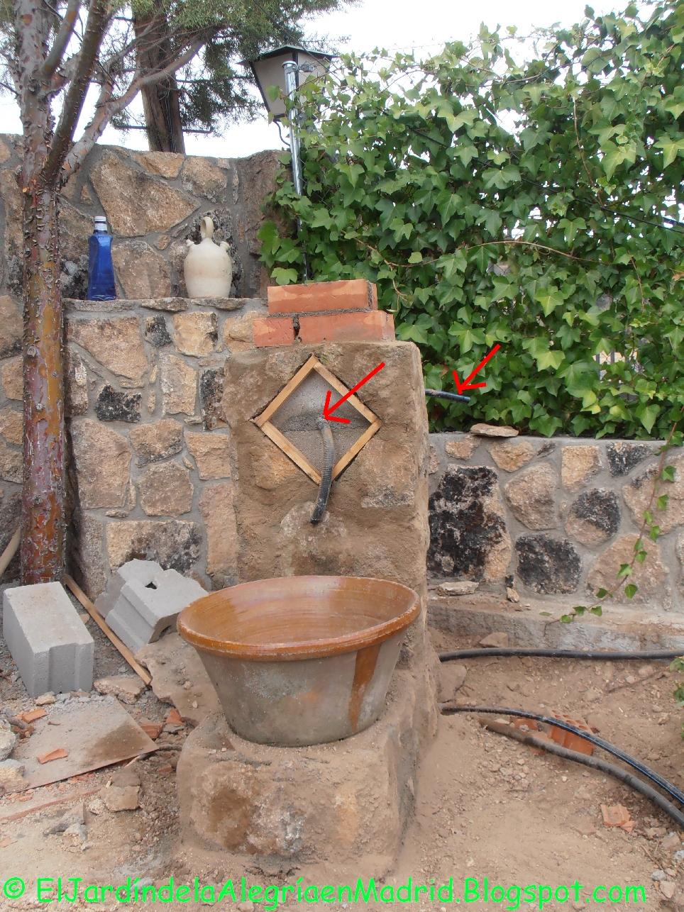 El jard n de la alegr a hemos hecho una fuente de piedra - Fuentes para terraza ...