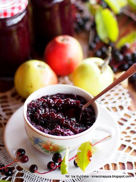 dżem jabłkowo-czeremchowy , czeremcha , dzikie jabłka , domowe przetwory , moja spiżarnia , lato w słoiku , na zimę , słoiki , owoce , do chleba , kuchnia domowa , dzikie owoce , najsmaczniejsze jedzenie