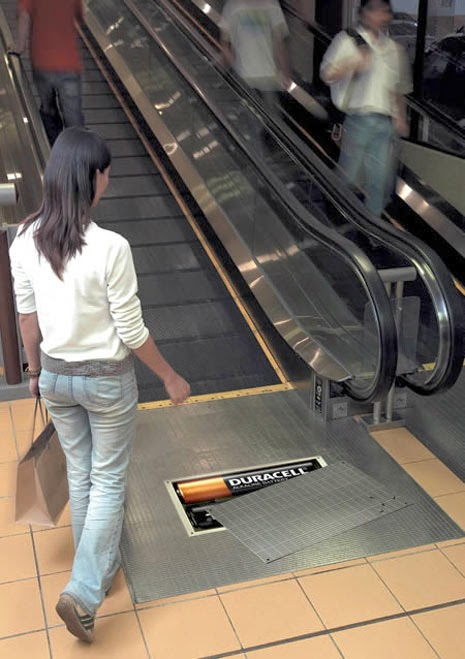 advertising in escalators Duracell