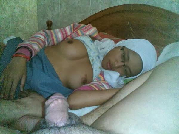 Gambar Bogel Jilbab SMA Baru Bangun Tidur Disuruh Nyepong   gambarmelayuboleh.org