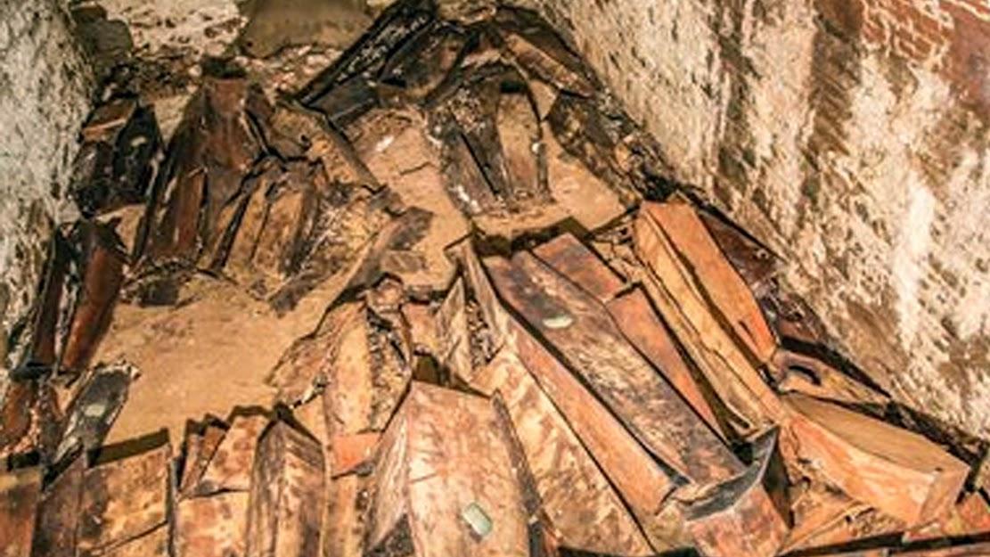 Centuries-old coffins, skeletons found under New York street