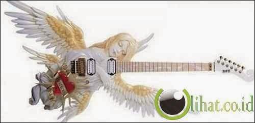 Yang satu ini juga adalah gitar elektrik yang berbentuk angel (peri),, manis ya