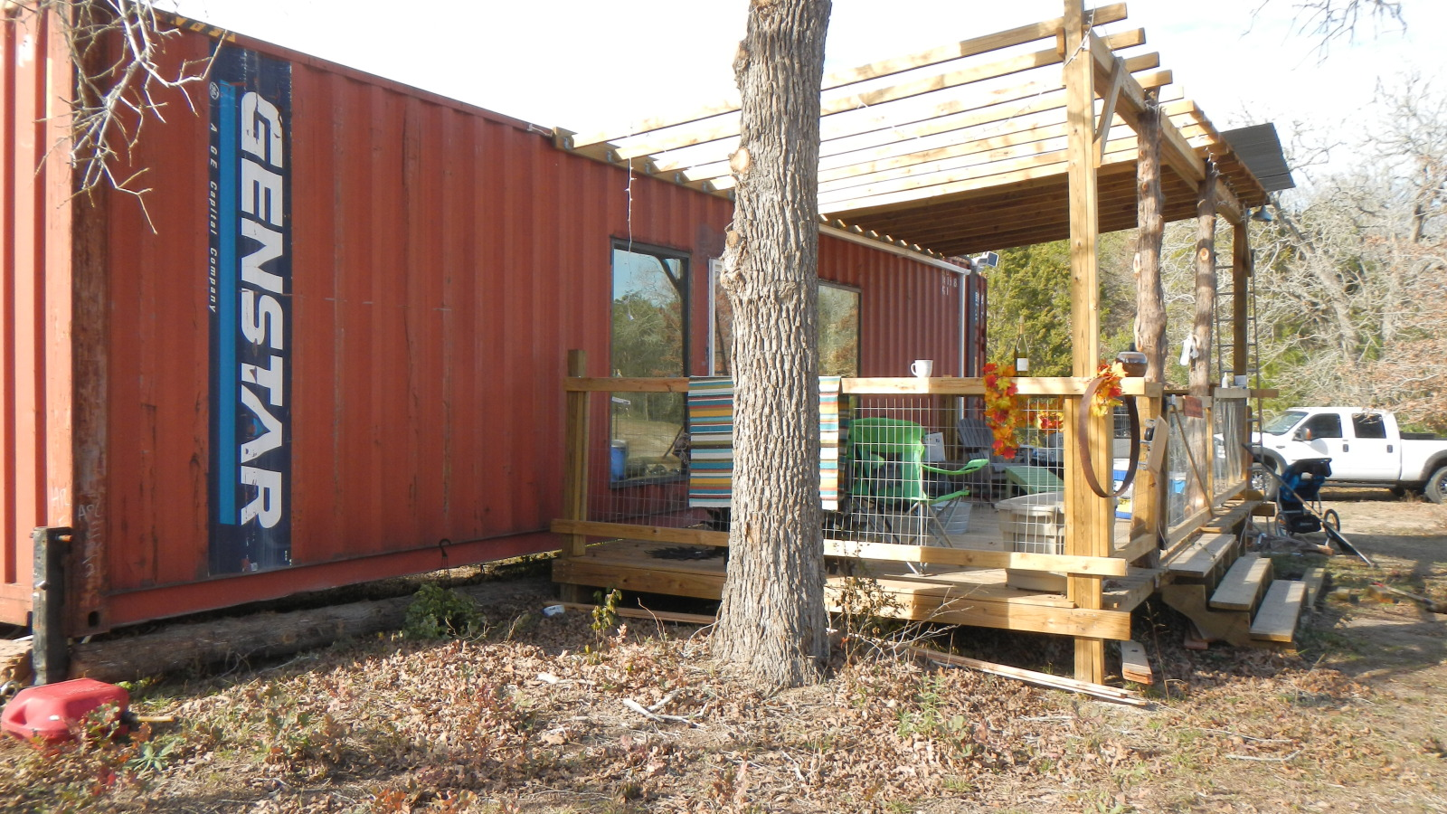 Shipping container homes 40ft shipping container family home wendy bowman fords prarie texas - Cargo container home builders ...
