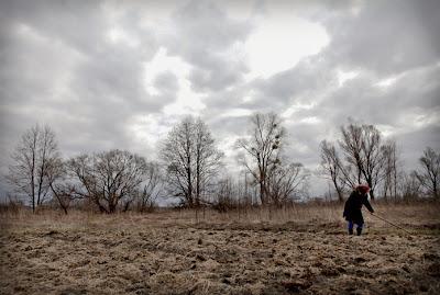 Una pareja de ancianos resiste en Redkovka, pueblo abandonado