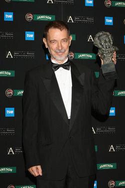 José Luis Alcaine recibirá la medalla de oro de la Academia de Cine