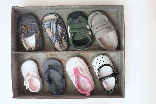 Rustic & Industrial Baby Shoe Shadow Box // Craftivity Designs