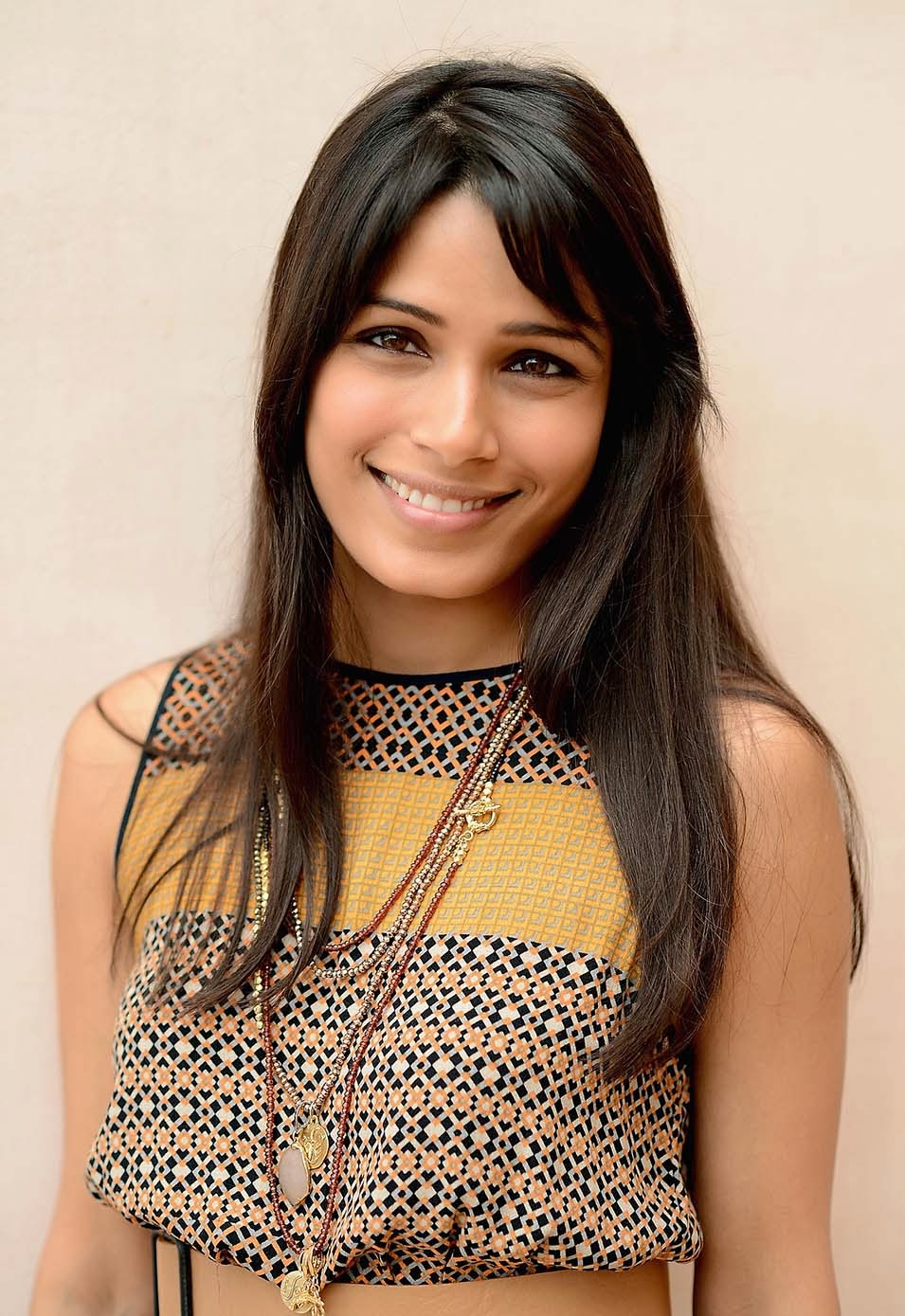 Freida Selena Pinto Nice Image And Photo Album | photo ... Freida Pinto