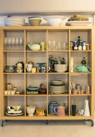 Elegant crockery display add charm to your house
