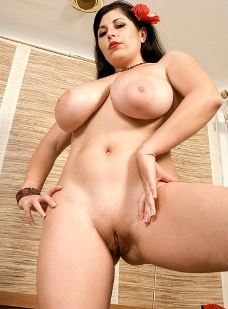 Very hairy old women pussy