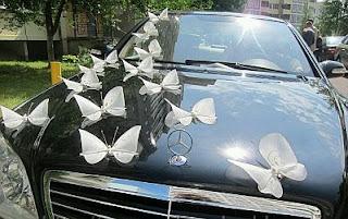 para los autos de los novios