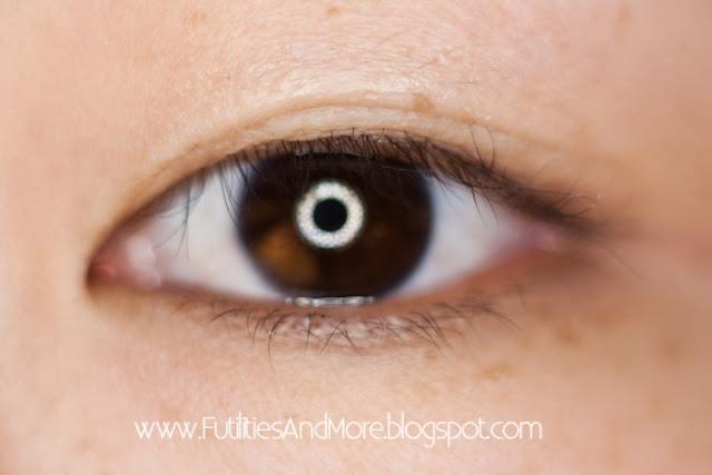 How to apply Eyelid Glue?, eyelid glue, asian eyes, monolid, futilitiesandmore.blogspot.com, futilities and more, futilitiesandmore