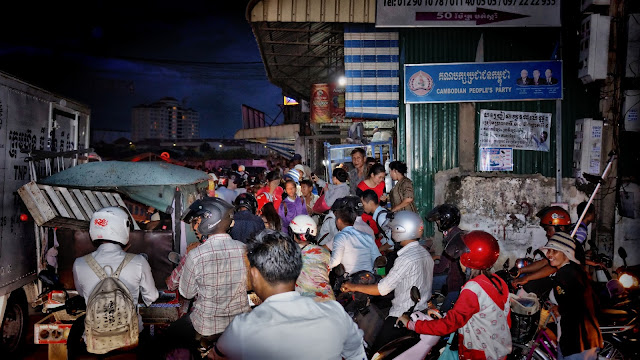 Embouteillages dans Phnom Penh