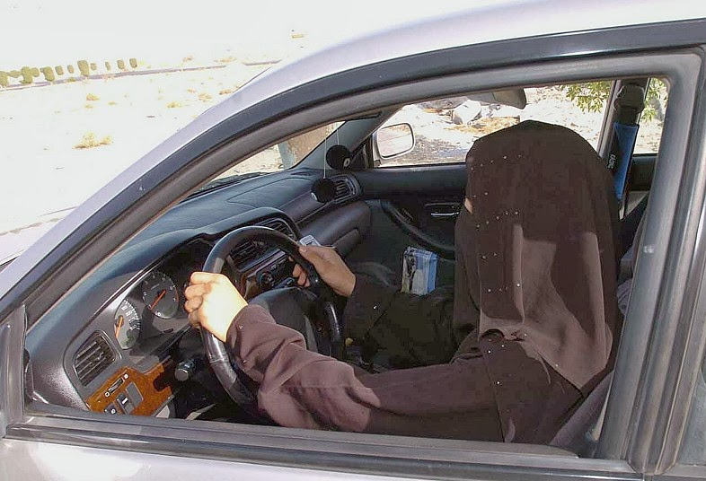 Driving ban, Saudi women arrested