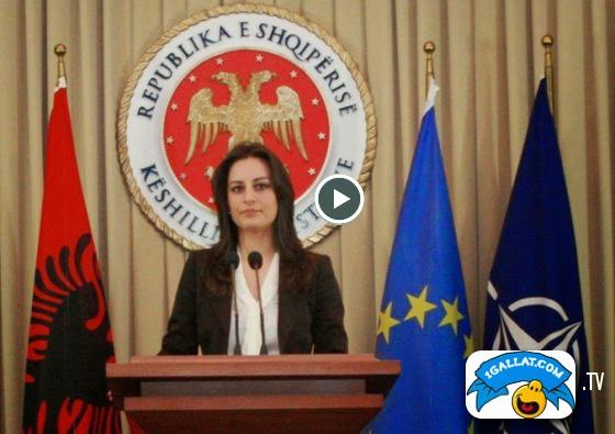 POLITIKE: Ka Filluar Erla Mehilli Te Shaje Me Llafe Te Pista