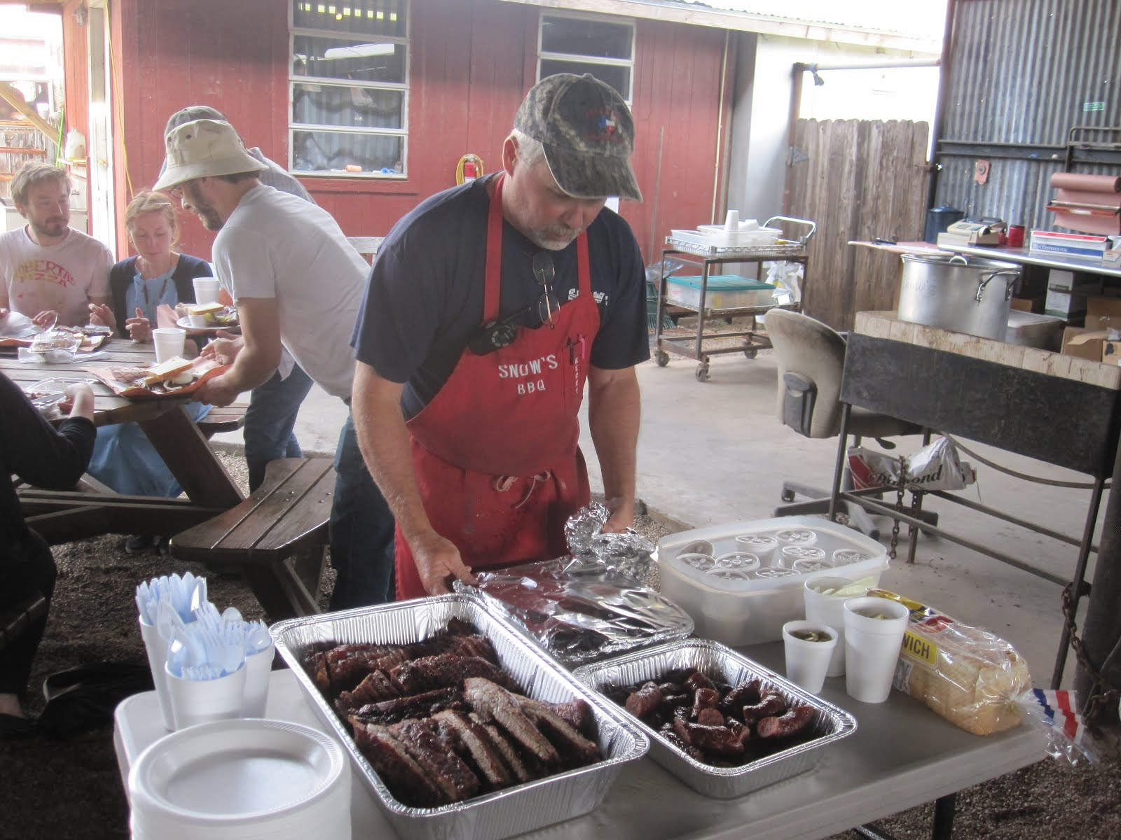man up tales of texas bbq family style bbq breakfast at snow u0027s