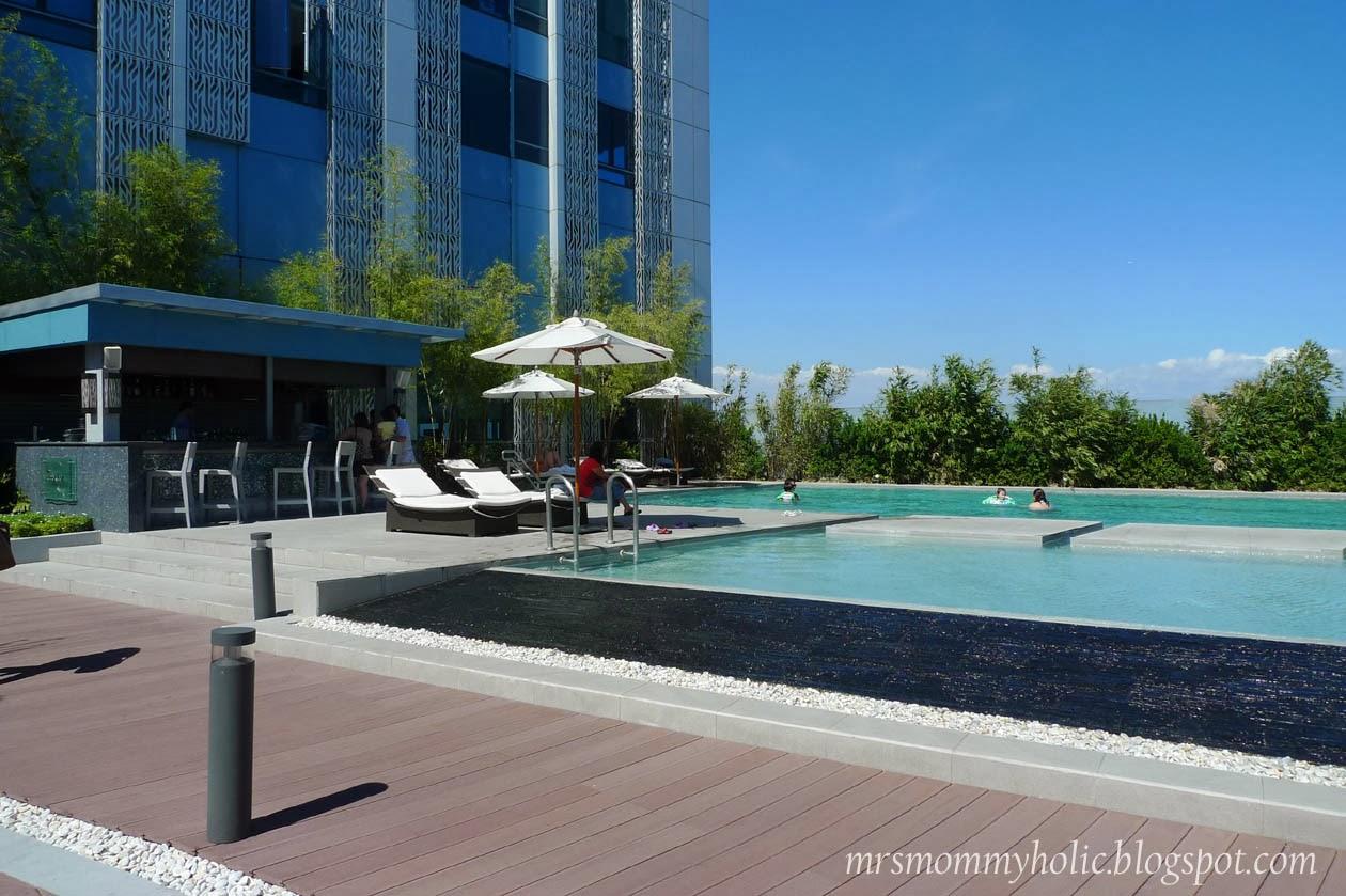 Mrsmommyholic Our Staycation At Crimson Hotel Alabang