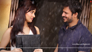 Jayantabhai Ki Luv Story Hot Neha Sharma, Vivek Oberoi HD Wallpaper