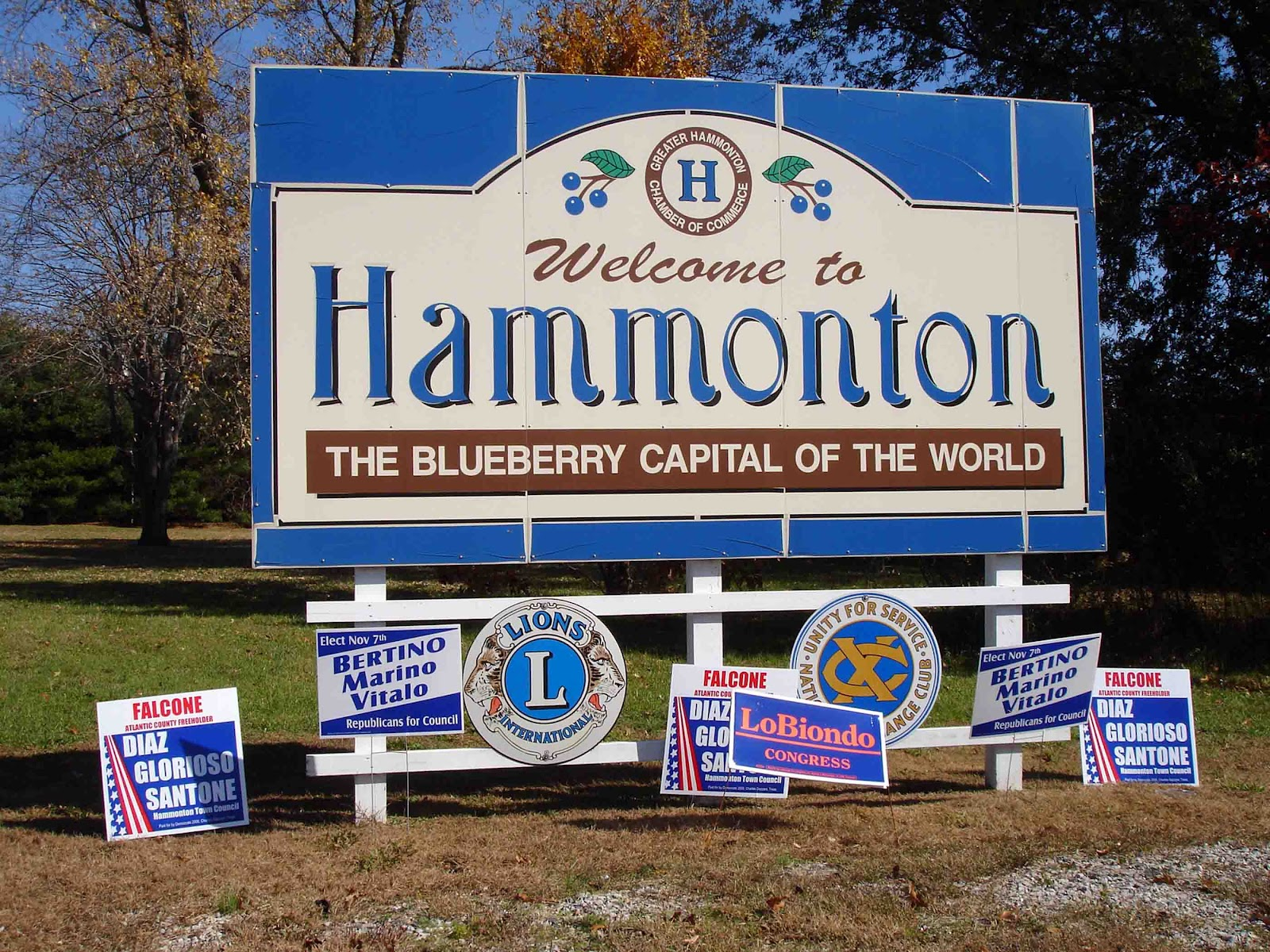 Hammonton (NJ) United States  city images : Capital of the World: Welcome to Hammonton, New Jersey, 2006.