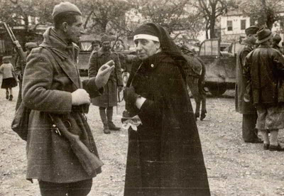 women-in-the-war-of-40-photo-04