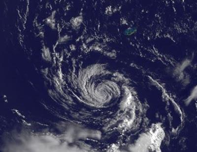 Tropischer Sturm JOSE formt sich nahe Bermuda, Sturmwarnung auf den Bermudas, 2011, aktuell, Atlantik, August, Bermudas, Hurrikanfotos, Hurrikan Satellitenbilder, Jose, Vorhersage Forecast Prognose, Zugbahn, Verlauf, Sturmwarnung, Irene,