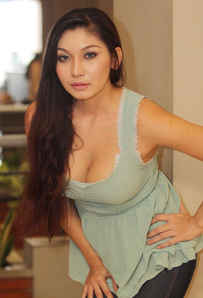 Baby Margaretha Ditawar Rp 550 Jt Untuk Temani Klien di Singapura