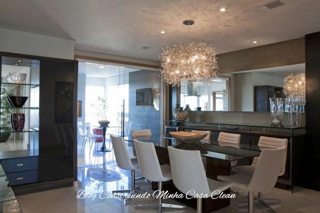 Lustres Para Sala De Jantar E Tv ~ de cristais tipo com arames! Sala escura com mesa retangular de