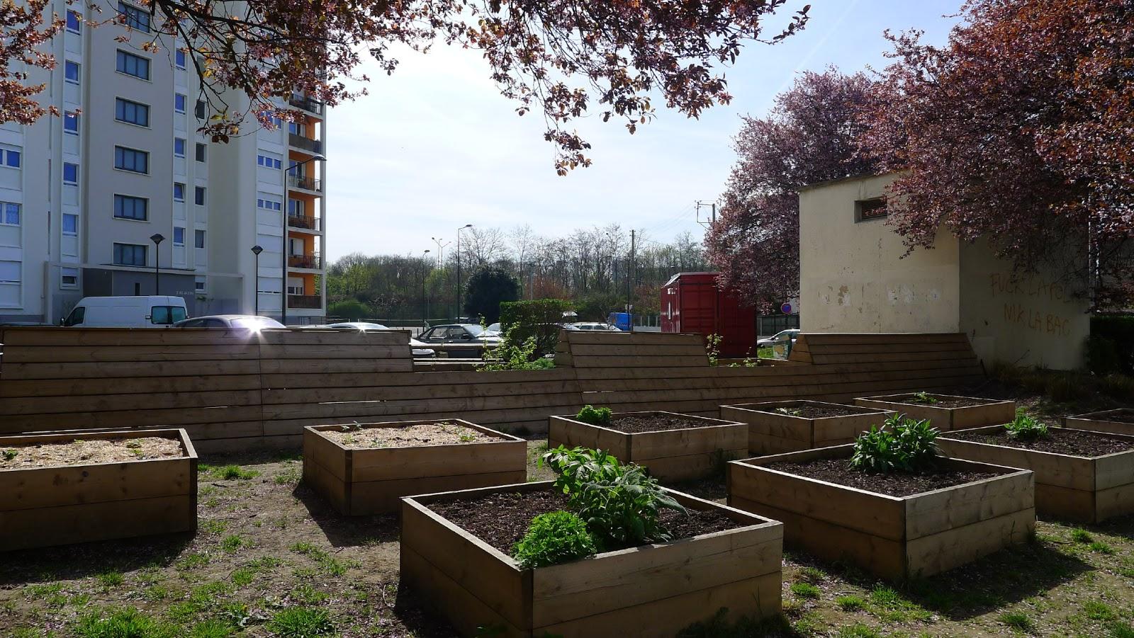 La fabrique de potager du collectif cochenko dans la cit joliot curie saint denis - Mobilier jardin oriental saint denis ...